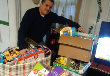 """The Greater Hartford Latino Fest Celebrates """"Three Kings Day"""" and the kick off to """"Latino Fest 2017"""" in Hartford! Where as the Hartford Latino Fest Family & Friends have collected and distributed over """"1000"""" TOYS!"""